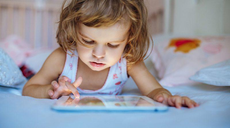 Enfants et écrans : quel âge ? quelle durée ? quels programmes ?