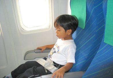 enfant en voyage